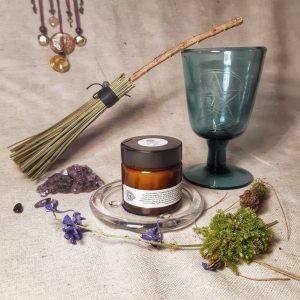 apothecary Magicka kawakawa frankincense balm 3